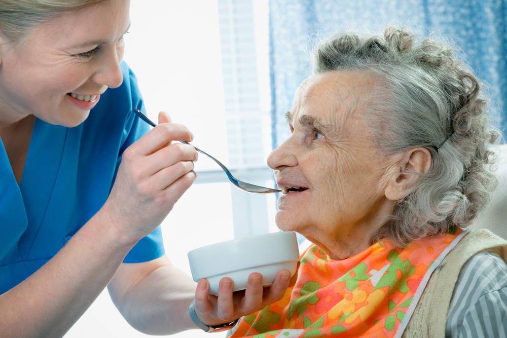 Cuidados y personal especializado contra el Alzheimer