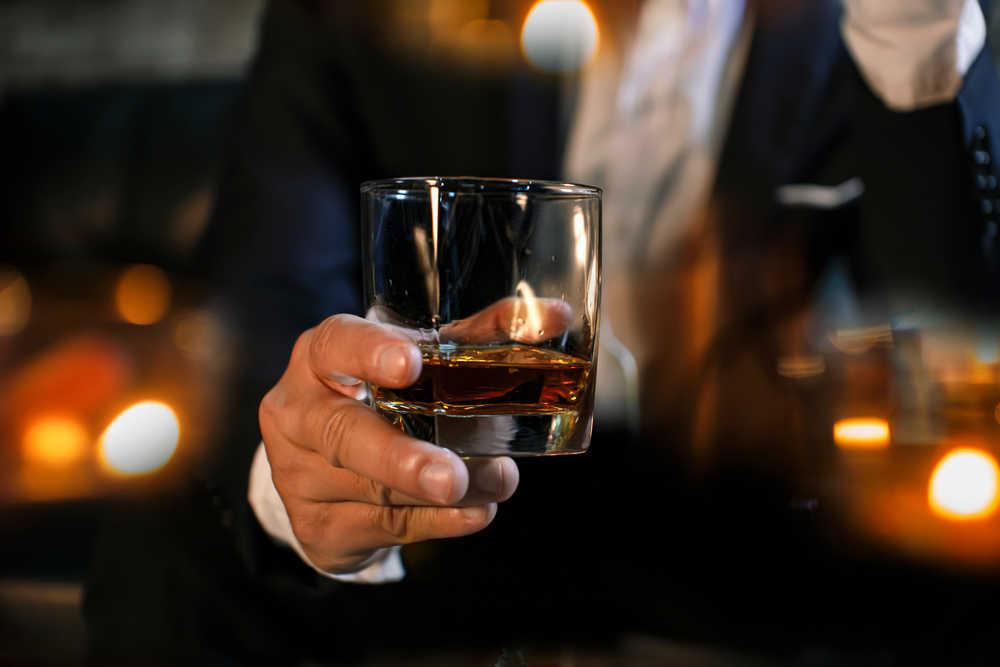 Cómo seleccionar y degustar una buena botella de whisky